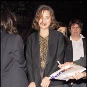 Marion Cotillard : Assaillie par les fans à Los Angeles... elle ne paraît pas très ronde ?!