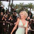 """Ophélie Winter - Montée des marches du film """"Vicky Cristina Barcelona"""", 61e festival de Cannes."""