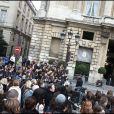 Les fans de Twilight devant l'hôtel de Crillon à paris, le 10 novembre 2009