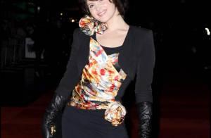 Les ravissantes Gemma Arterton et Tamara Ecclestone... exhibent leurs superbes gambettes !