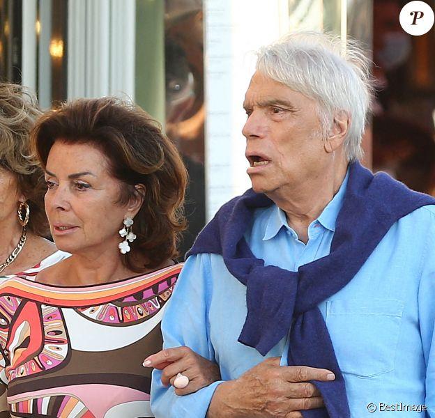 """Bernard Tapie et sa femme Dominique sont allés diner au restaurant """"Le Girelier"""" à Saint-Tropez."""