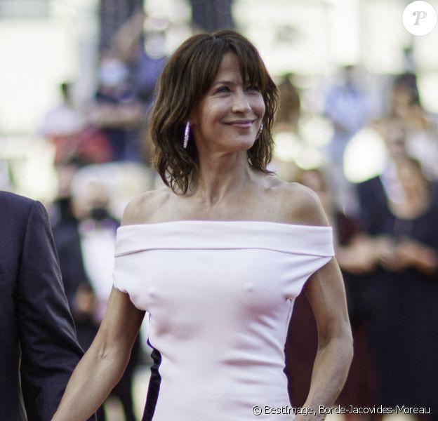 """François Ozon, Sophie Marceau - Montée des marches du film """" Tout s'est bien passé """" lors du 74ème Festival International du Film de Cannes. © Borde-Jacovides-Moreau / Bestimage"""