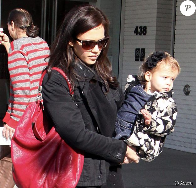 Jessica Alba et sa fille Honor à Beverly Hills le 19 novembre 2009