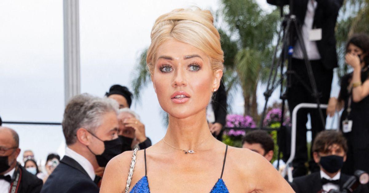 Accident de robe à Cannes : un mannequin laisse échapper un sein sur le tapis rouge