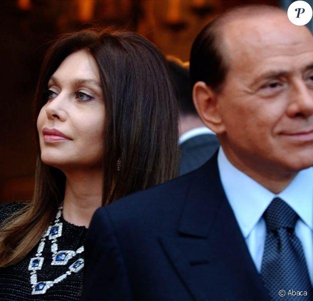 Veronica Larrio demande lors de sa procédure de divorce 3,5 millions d'euros par mois à son futur ex-mari Silvio Berlusconi...