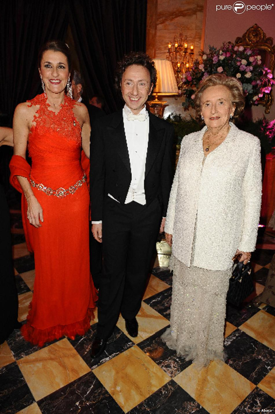 St phane bern et bernadette chirac au bal des d butantes - Stephane marie et sa compagne ...