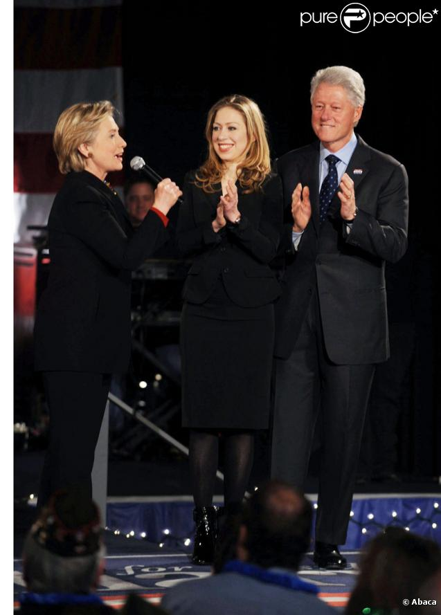 Chelsea Clinton entourée de sa mère Hillary et de son père Bill