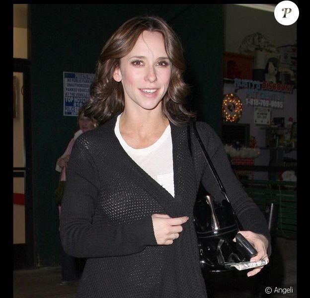 Jennifer Love Hewitt à Studio City à Los Angeles, le 30 novembre 2009