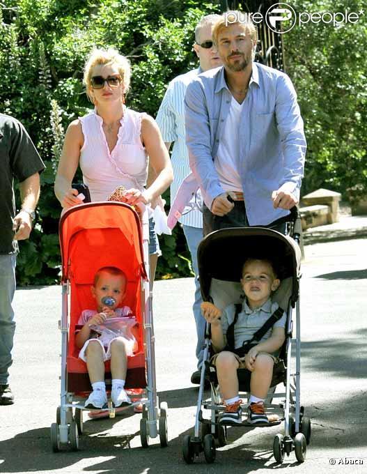 Britney Spears en compagnie de Jason Trawick et des ses enfants Sean et Jayden en Australie en novembre 2009