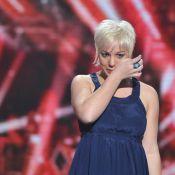 """X-Factor en live : Julie Zenatti, """"dans une position de merde"""", renvoie Cyrielle et s'effondre... Audience en hausse ! (réactualisé)"""
