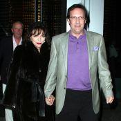 Joan Collins : Manteau de vison et énorme diamant, elle sort le grand jeu pour... son homme !