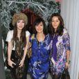 Arlene Phillips et ses filles lors de la pré-soirée du ballet Casse-Noisette à Londres le 16 décembre 2009
