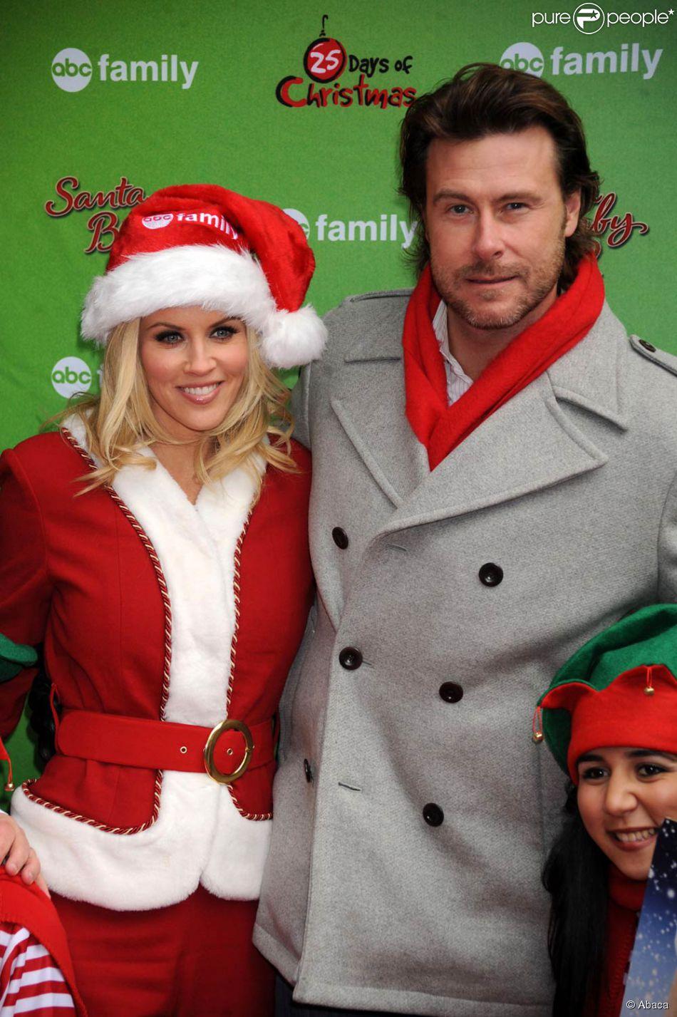 jenny mccarthy et dean mccdermott pour la promo de santa baby 2 christmas maybe - Santa Baby 2 Christmas Maybe