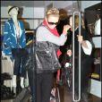 Charlize Theron et sa mère font du shopping à Beverly Hills le 27 décembre 2009