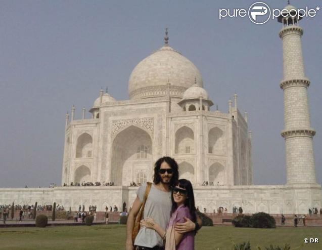 Katy Perry et Russell Brand se sont fiancés lors de leur séjour en Inde, fin décembre 2009 !
