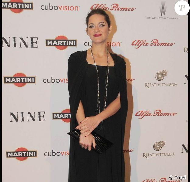 La divine Marion Cotillard, à l'occasion de l'avant-première italienne de la comédie musicale Nine, à Rome, le 13 janvier 2010.