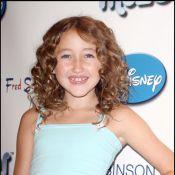 Regardez la petite soeur de Miley Cyrus en rappeuse sur le tube de Kesha... Drôle de spectacle !