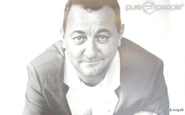 Coluche, humoriste et fondateur des Restos du Coeur.