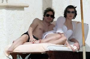 Milla Jovovich : Plus amoureuse que jamais de son mari, elle se la joue déesse antique... au Mexique !