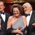 Roger Moore, Claudia Cardinale et Mario Adorf lors des DIVA Awards à Munich le 26 janvier 2010