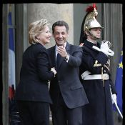 Quand Hillary Clinton se transforme en Cendrillon... dans les bras de Nicolas Sarkozy !
