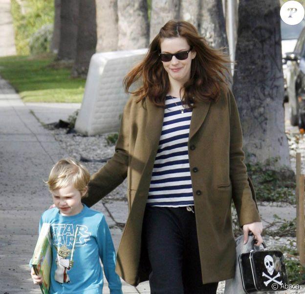 Liv Tyler et son fils Milo à West Hollywood, le 29 janvier 2010