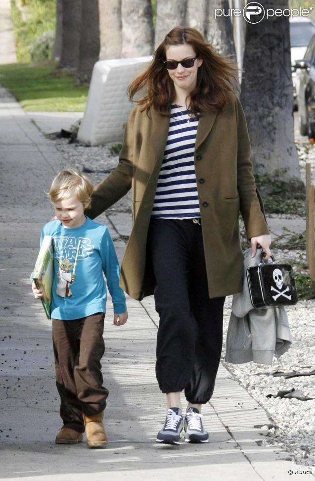 Liv Tyler et son fils Milo à West Hollywood, le 29 janvier 2010