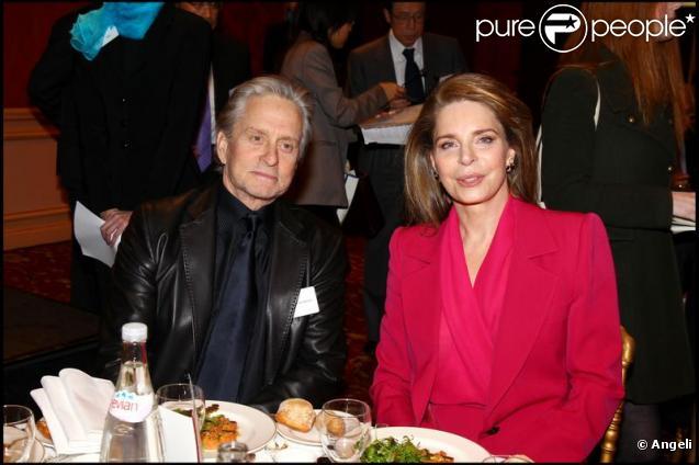 Michael Douglas et la reine Noor au sommet Global Zero à Paris le 2 février 2010
