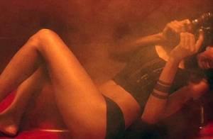 La sublime Zoe Saldana fait tomber le haut puis le bas... avant de régler ses comptes !
