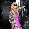 Paris Hilton se prend pour Barbie dans les rues de New York le 4 février 2010