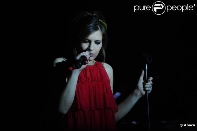 Amandine Bourgeois en concert à l'Alhambra, à Paris, le 9 février 2010