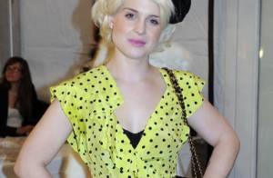 Kelly Osbourne : Toujours aussi décalée, elle continue d'afficher son sourire et sa ligne... au top !