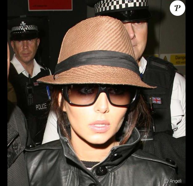 Cheryl Cole à son arrivée à Londres le 23/02/10