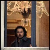 Johnny Depp, élégant et ténébreux à Venise... attend la superbe Angelina Jolie !