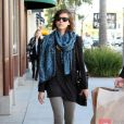 Jessica Alba en pleine séance shopping à Beverly Hills le 4 mars 2010