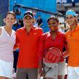Le 12 mars 2010, l'événement Hit for Haïti au profit des populations haïtiennes, à Indian Wells, a pu compter sur Lindsay Davenport, Roger Federer et Rafael Nadal