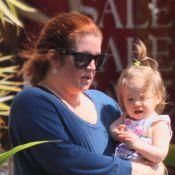 Lisa Marie Presley : Devenue rousse, la fille du King a triplé de volume... Découvrez sa métamorphose !