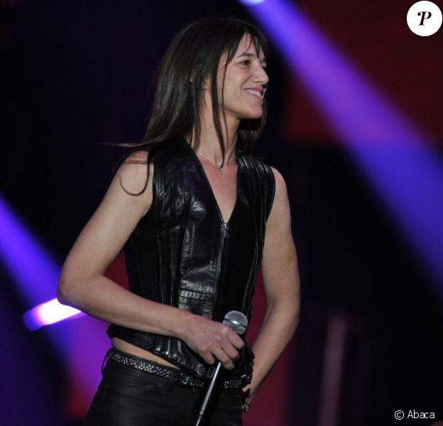 Charlotte Gainsbourg entame une grande tournée en Amérique du Nord et dans toute l'Europe pour présenter son nouvel album IRM.