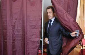 Carla Bruni et Nicolas Sarkozy : souriants et sereins lors de cette étape décisive !