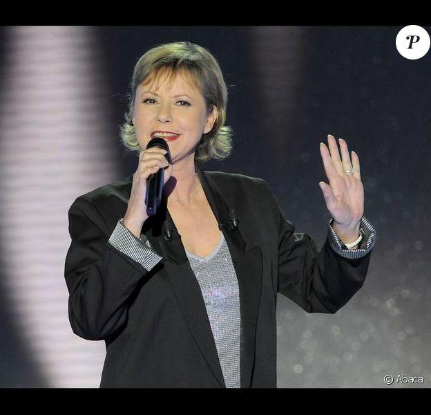 Son album peine à se vendre, ses concerts sont loin d'être complet et son Vivement dimanche prochain spécial, peu suivi : Dorothée serait-elle en pleine crise ?