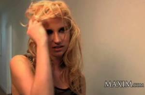 Kesha : Regardez-la se dénuder pour un shooting torride...