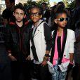 Moises Arias accompagné de Jaden et Willow Smith, les enfants de Will et Jada Pinkett Smith, à l'avant-premiere de The Perfect Game, à Los Angeles, le lundi 5 avril.
