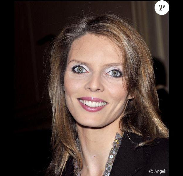 Sylvie Tellier, invitée sur le plateau de Morandini!, mercredi 7 avril s'exprime sur la tornade médiatique autour du départ de Geneviève de Fontenay de la Société Miss France.