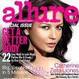 La ravissante Catherine Zeta-Jones en couverture du nouveau numéro d' Allure .