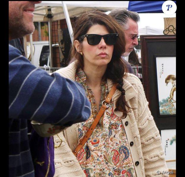 Marisa Tomei aperçue à Los Angeles dans un marché (11 avril 2010)
