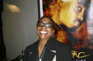 Tupac : sa maman Afeni Shakur arrêtée pour possession de drogue !