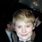 Mia Wasikowska, la Alice de Tim Burton, bientôt dans le corset de Charlotte Gainsbourg !