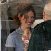 Julia Roberts : une sublime femme de 42 ans... qui joue à la Barbie !