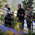 Arnaud Lemaire en compagnie de Philippe Lelièvre sur le tournage de l'émission  L'Amour est aveugle , qu'il anime chaque vendredi soir à 22h15 sur TF1.