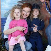 Marcia Cross : La jolie rousse prend la pose avec ses adorables jumelles !